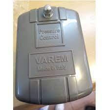 Role áp lực Varem dùng bình tích áp.